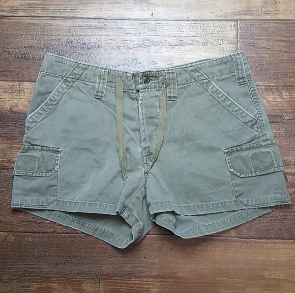 Abercrombie & Fitch Pants - Abercrombie army green cargo shorts